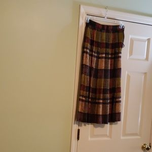 Liz Claiborne  plaid pleated skirt